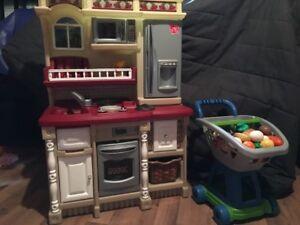 Plusieurs jouets pour enfants