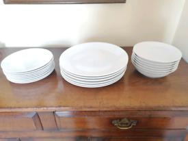 MAXWELL AND WILLIAMS DESIGNER WHITE DINNER SERVICE
