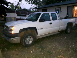 Chevy Silverado 2500 Hd 6.0 gas 4x4