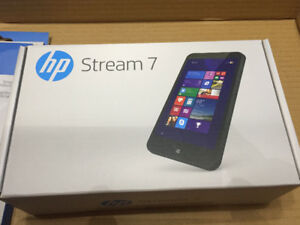 Brand New Tablet HP Stream 7 with Case and Protector