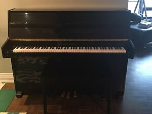 Young Chang Apt size piano (black) -downtown Toronto $1,500