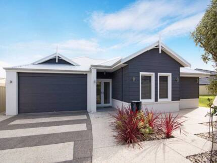 Metres from Beach, Park, Marina and Estuary Geographe Busselton Area Preview