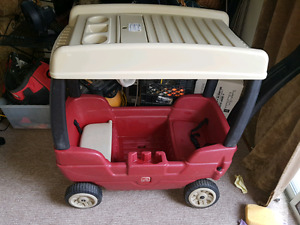 step 2 wagon with canapy excellent condition