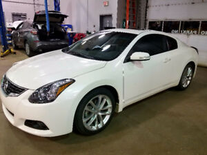 2011 Nissan Altima 3.5 SR Coupe (2 door)