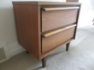 vtg Walnut bedside table 2 drawer Mid Century Modern