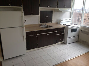 $715 STUDIO FOR RENT!!! GREAT FOR STUDENTS!!!