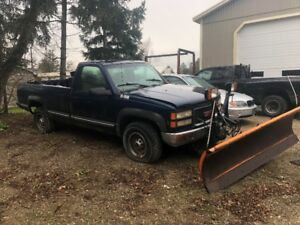 1999 GMC 2500 with plow