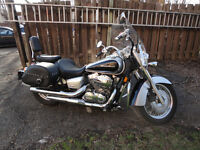 Honda Shadow With Trunk, Saddle Bags, Drivers Backrest Excellent