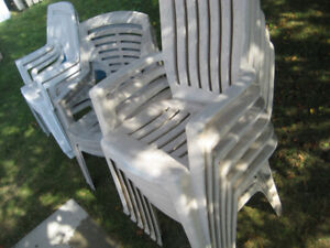 patio table, plastic chairs