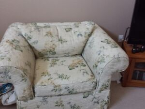 Selling Two Floral cream coloured sofas London Ontario image 2