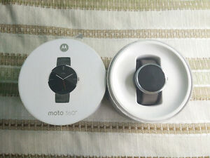 Moto 360 Smartwatch with leather band