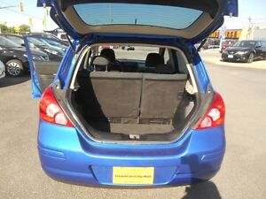 2009 Nissan Versa 1.8 S Hatchback Peterborough Peterborough Area image 14