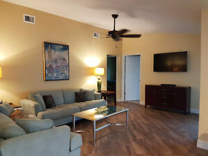 SW Florida Renovated Vacation Home - 200ft Wide Canal - Pool