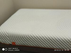 $550 Twin XL Full Tempurpedic mattress and box spring