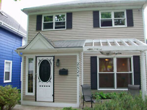 Homestay - West End Halifax-Room Available (Main Level) Student