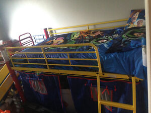 BED, WITH UNDERNEATH HIDEOUT, AND SLIDE!!