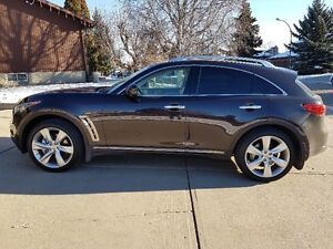 2009 Infiniti FX 50S All options including tech package