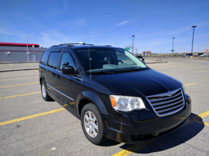 Chrysler van 2010 Town and Country