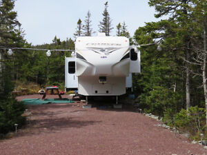2011 Crossroads Cruiser Provincial Edition Fifth Wheel