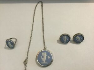 Beautiful Four Piece Set of Sterling Silver Wedgewood Jewellery