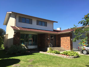 Beautiful lakeside 2 storey house for rent