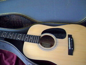 GUITAR CITATION ACUSTIC 6 STRING WITH CASE MINT CONDITION