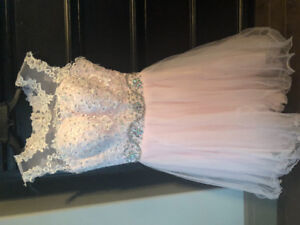 Ladies size 00 pink dress never worn