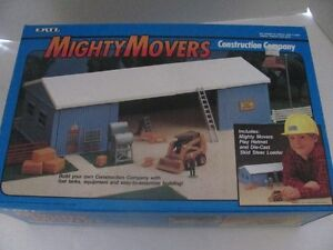 VINTAGE ERTL #2442 MIGHTY MOVERS CONSTRUCTION COMPANY