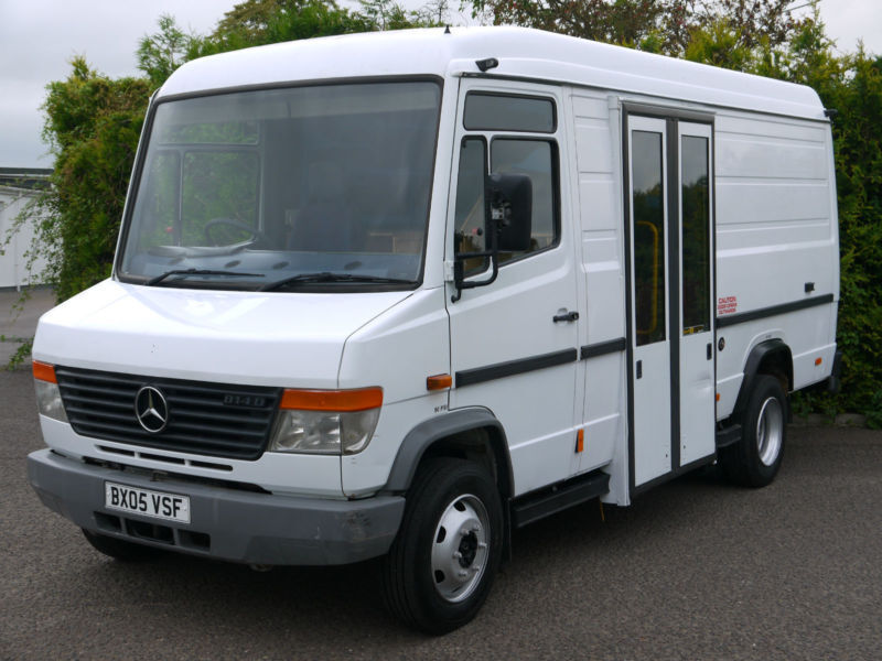 MERCEDES VARIO 814D MOBILE LIBRARY CAMPER DAY VAN MOTOR HOME RACE TRUCK BUS