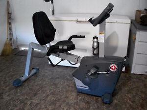 Vélo d'exercice position allongée Schwinn Fitness  model SRB-180