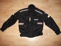 Manteau de moto pour homme, 80$.