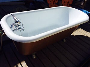 Bath tub with faucet