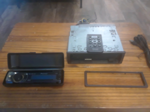 Pioneer car stereo with case and remote