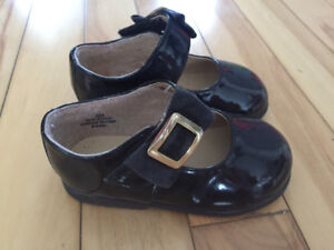 Girls size 4 dress shoes