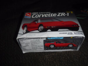 AMT/ERTL 1995 Chevrolet Corvette ZR-1 plastic model kit 1:25