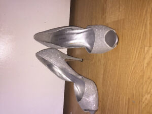 High heels size 8 GREAT CONDITION perfect for prom