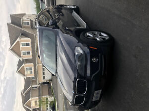 Exceptionally well maintained BMW X5 30i SUV, Sport, Panaromic..