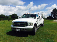 2005 Ford F-350 King Ranch Pickup Truck