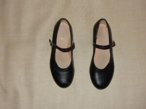 Girls ``Bloch`` Tap Shoes (Size 1.5)