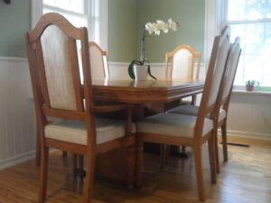 Solid Oak Dining Room Table with six chairs