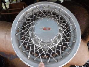 Cap de roues année 80 15 po.