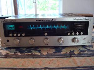 Système complet :  Amplificateur, Table tournante, Haut parleurs