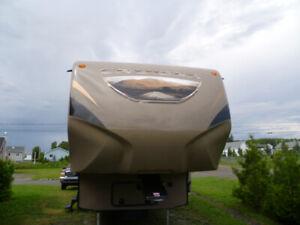 Devant caravane à sellete / front cap fifth wheel