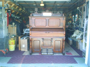 Thomas Organ--several pictures attached