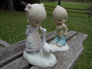 Pair of Precious Moment Figures For Sale
