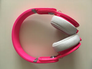 Beats by Dr Dre: Mixr Neon Pink