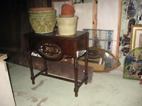 TABLE ANCIENNE 1930