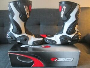 "SIDI "" COBRA "" BLACK & WHITE RACING  EDITION  MOTORCYCLE BOOTS"