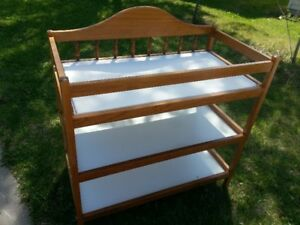 baby  changing table / shelf