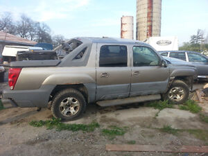 2001 Chevrolet Avalanche PARTING OUT
